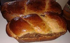 RETETE PENTRU AI NOSTRI: COZONAC PUFOS CU ALUAT OPARIT Romanian Food, Pastry Cake, Hot Dog Buns, Nutella, Bakery, Sweets, Bread, Homemade, Desserts