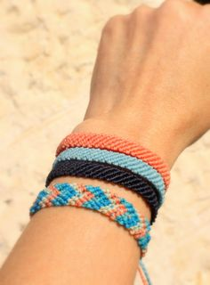 Woven bracelets For Men or Women - Friendship Bracelet - Summer Surfer Casual String Hippie Woven Jewelry Yarn Bracelets, Diy Friendship Bracelets Patterns, Summer Bracelets, Bracelet Crafts, Cute Bracelets, Braided Bracelets, Ankle Bracelets, Bracelets For Men, String Bracelets