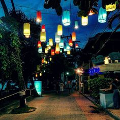 Walk Path in Ao Nang great place to have a massage in front of the sunset   #thailand#discoverthailand#krabi#aonang#walkpath#lantern#light#travel#backpacker#instagood#night#thailande#nightlife#traveling by swydertravel