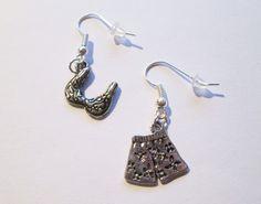 c125 BIKINI; c041 BOTTLE OPENER, (wanna buy something like this? Earrings, (Earhooks), pendant or Charms? ask me: Mondcatze@fantasymail.de)