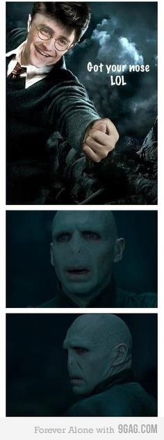 Funny pictures about Voldemort and Harry's Epic Battle. Oh, and cool pics about Voldemort and Harry's Epic Battle. Also, Voldemort and Harry's Epic Battle photos. Harry Potter Voldemort, Harry Potter Film, Images Harry Potter, Harry Potter Funny Pictures, Harry Potter Jokes, Harry Potter Fandom, Voldemort Nose, Funny Images, Funny Photos