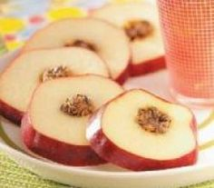 Apple Cartwheels - Great snack for kids & adults alike. Mix c peanut butter; Fill centers of apples with mixture; refrigerate at least 1 hour; Healthy School Lunches, Healthy Meals For Kids, Kids Meals, Healthy Snacks, Healthy Recipes, School Snacks, Healthy Eats, Eating Healthy, Healthy Weight