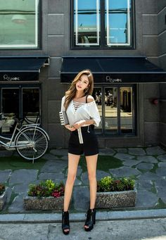 Ulzzang Korean Girl, Cute Korean Girl, Asian Girl, Hot Outfits, Girl Outfits, Fashion Outfits, Fashion Shoes, Korean Dress, Korean Outfits