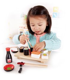 Sushi set Hape Toys and Hobbies Children Guide Du Tri, Sushi Kit, Play Kitchen Accessories, Healthy Sushi, Hape Toys, Organic Baby Toys, Fresh Sushi, Wooden Playset, Play Shop