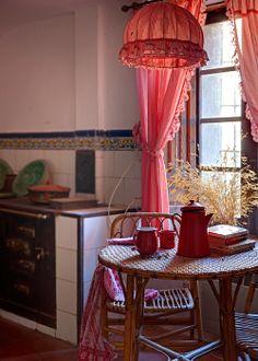 Fotografía Celia de Coca para Casa&Campo Gingham, Curtains, Home Decor, Minas Gerais, Homes For Sales, Country Houses, Furniture, Style, Blinds