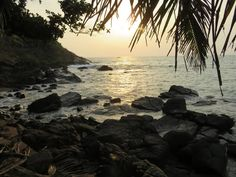 Backpacking India: a travel guide to the best places to visit in Gokarna and the Gokarna beach trek trail for the independent budget traveller Backpacking India, Backpacking South America, Thailand Destinations, Thailand Travel, Khao Lak Beach, Lamai Beach, Weather In India, Thailand Adventure, Koh Chang