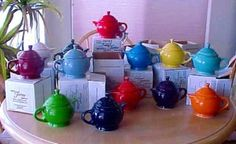 My latest irrational obsession: Fiestaware teapots.
