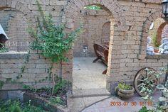 Szépen Kivitelezett Hamukő Romfal. Verfallene Mauer, Ruined Wall, Mur En  Ruine, разрушена