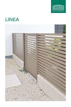 """Unser Aluzaun """"Linea"""" sticht durch elegante Schlichtheit hervor. Ein dekorativer Metallzaun aus Aluminium. Mit unserem """"Linea"""" könnt ihr eure Zaunidee verwirklichen. Auch als Sichtschutz.  #guardiaustria #sichtschutz #anthrazit #zaunidee #zaundesign #metallzaun #zaunfelder #österreich #linea #aluzaun #aluminiumzaun #aluminium #preis #preiswert #günstig Metal Furniture, Diy Furniture, Morden House, House Fence Design, Steel Gate, Wood And Metal, Home Remodeling, Garage Doors, Home Appliances"""