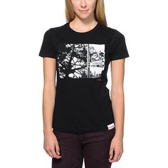 Don't get lost, the black Diamond Supply Girls Diamond Street scoop neck tee shirt will keep you headed in the right direction. With short sleeves, a scoop neck, slim fit, and a Diamond Street black and white front graphic from the streets of San Francisco. Get some of that west coast style and keep living the Diamond Life.