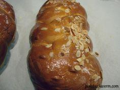 Greek Easter Bread, bookworm_tsoureki