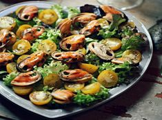Салат из мидий - Рецепты салата из мидий - Как правильно готовить