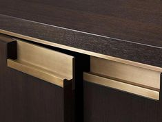 I love this elegant cabinetry metal lip pull detail by HOLLY HUNT Kitchen Handles, Cabinet Handles, Cabinet Doors, Door Handles, Cabinet Hardware, Pull Handles, Door Pulls, Brass Hardware, Design Blog