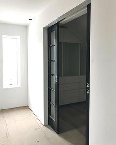 𝘌𝘮𝘦𝘭𝘪𝘦 𝘈𝘶𝘨𝘶𝘴𝘵𝘴𝘴𝘰𝘯 (@creating.house) • Instagram-Fotos und -Videos Tall Cabinet Storage, Locker Storage, Black Doors, Lockers, Videos, House, Furniture, Instagram, Home Decor