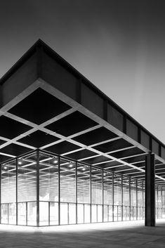 National Gallery/ Neue Nationalgalerie Kulturforum/ Museum for Modern Art/ Berlin/ Ludwig Mies van der Rohe 1968 Ludwig Mies Van Der Rohe, Bauhaus, A As Architecture, Contemporary Architecture, Le Corbusier, Champs Sur Marne, Beautiful Buildings, Modern Buildings, Brutalist