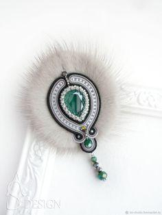 Сутажная брошь с мехом норки Alyssa серый зеленый Меховая брошь – купить в интернет-магазине на Ярмарке Мастеров с доставкой Bead Embroidery Jewelry, Soutache Jewelry, Beaded Embroidery, Beaded Jewelry, Soutache Tutorial, Leather Jewelry, Seed Beads, Feather, Gemstone Rings