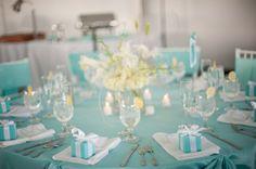 Blue and white Maryland Wedding Decor Meaghan Elliot Photography 550x365 Chesapeake Bay Wedding Reception: Kelly + Robert