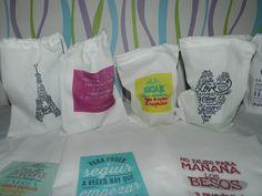 Regalá nuestros productos en bolsitas con mensajes y buenos deseos!! $12 Próxima semana, motivos navideños!
