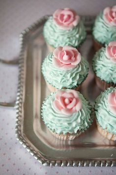 Super cute for bridal shower?!? Turquoise ruffles cupcakes with pink roses