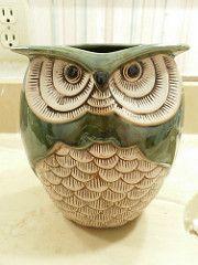 Owl Pots by behindthecanon Ceramic Birds, Ceramic Animals, Clay Animals, Ceramic Pottery, Pottery Art, Sculptures Céramiques, Bird Sculpture, Owl Crafts, Clay Crafts