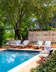 Book Quercus with Simpson Travel; situated in South West & The Dordogne, France, this is a perfect holiday retreat. Green Landscape, Villa, France, Luxury, Outdoor Decor, Holiday, Home Decor, Vacations, Decoration Home