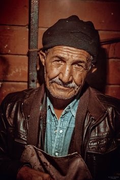 The Cobbler II by Allen Adnan on 500px#16:9 #Ankawa #erbil #Kurdistan#cinematic #citadel #Iraq #low key #old #portrait
