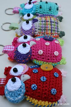 Dots & HOOK: May 2013--so cute.  Links to a pattern for sale.