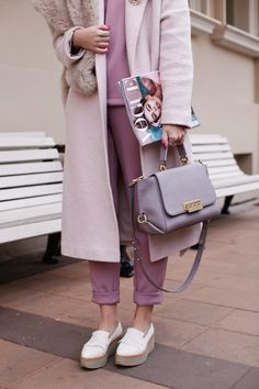 Women's Bag - Look Fashion, Fashion Models, Fashion Outfits, Womens Fashion, Looks Street Style, Looks Style, Mode Purple, Purple Hues, Hot Topic Clothes