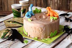 Die Dino-Torte ist ein riesen Hit auf jedem Kindergeburtstag.  • Foto & Styling: Thordis Rüggeberg, Foodproduktion: Eileen Greuel