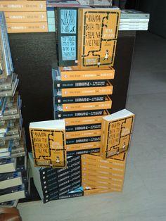 Η ΑΝΑΛΦΑΒΗΤΗ ΠΟΥ ΗΞΕΡΕ ΜΟΝΟ ΝΑ ΜΕΤΡΑΕΙ μετράει ... αντίτυπα στον Ιανό Καλαμαριάς!