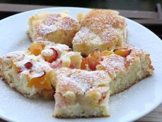 Bögrés házi túrós-barackos lepény! | Sweet Bonnie Pound Cake, French Toast, Cheesecake, Dessert Recipes, Food And Drink, Cooking Recipes, Sweets, Baking, Breakfast