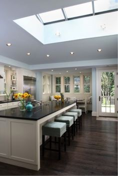 Yes!   But with gray quarts countertop!