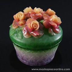Pate de verre rose box by Kimiake Higuchi