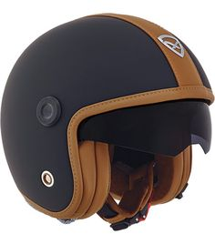 New Black/Camel version of the Nexx X70 Core cafe racer helmet.
