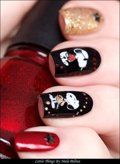 Little things that make me happy: Snoopy Skittlette Manicure
