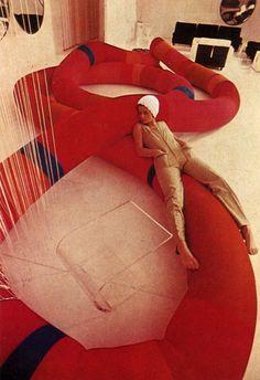 """Decorating Ideas for Modern Living"""" by Gerd Hatje & Peter Kaspar, 1975 Vintage Interior Design, Vintage Interiors, 70s Decor, Retro Home Decor, Decorating Your Home, Interior Decorating, Decorating Ideas, Interior Architecture, Interior And Exterior"""