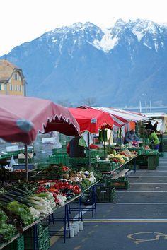 vevey market by daveleb, via Flickr