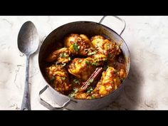 Watch Dhruv Baker's super simple chicken curry recipe. Find the full recipe here: http://www.waitrose.com/home/recipes/recipe_directory/d/dhruv-baker-s-simplechickencurry.html