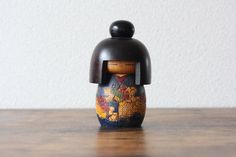 From Kokeshi artist Takamizawa Kazuo a Vintage Creative Kokeshi collectible doll shoukei Vintage Gifts, Vintage Decor, Etsy Vintage, Vintage Shops, Vintage Style, Vintage Items, Antique Collectors, Antique Stores, Antique Tea Cups