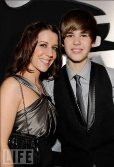 Justin Bieber and his mum Pattie <3