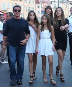 Sylvester Stallone shows off his VERY sinewy arms as he goes on beach stroll with his wife Jennifer Flavin Jackie Stallone, Frank Stallone, Sylvester Stallone Family, Sage Stallone, Celebrity Babies, Celebrity Couples, Celebrity Photos, Celebrity Style, Action Movies