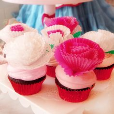 Make Cupcake Liner Decorations and Toppers with Guidecentral