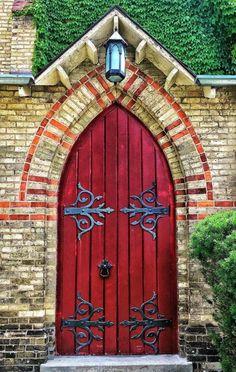 101 Ideas For Red front Door Design Source by homedecor_designing Door Entryway, Entrance Doors, Doorway, Front Doors, Gothic Windows, Windows And Doors, Red Doors, Cool Doors, Unique Doors