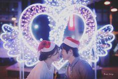 ハートの #イルミネーション 前で  まるでふたりが天使のように  可愛い#サンタ帽 が 季節感出してて いいね   #メリークリスマス  寒さに耐えうる自信が あるなら笑  空気も澄んでて 街もキラキラ輝くし 前撮りベストシーズン だと僕は思いますよ  これにて 静岡藤枝前撮り おしまい  藤枝は桜の名所 見つけたし 来春また撮りに行きたいなぁ  さてさて だいぶ埋まりつつありますが  来春の桜前撮り まだまだ受付中   お問い合わせ お待ちしてます   #藤枝#蓮華寺池公園 #プレ花嫁 #日本中のプレ花嫁さんと繋がりたい #結婚式準備 #ドレス試着 #前撮り#ウェディングフォト#ロケーションフォト#ウェディングドレス #2018春婚#2018夏婚#プロポーズ#東海プレ花嫁#lovers_nippon_portrait#dressy花嫁#エンゲージメントフォト