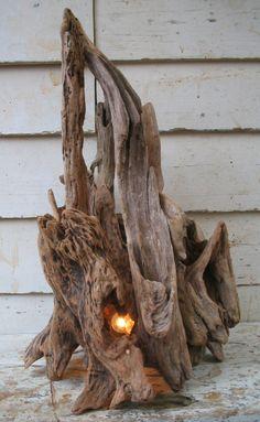 流木ランプ 流木の造形、素材を生かして制作した、世界に一つの個性的なエコインテリア Driftwood Lamp, Driftwood Projects, Wood Lamps, Rough Wood, Woodworking Inspiration, Wooden Crafts, Unique Furniture, Light Decorations, Rustic Style