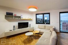 Svetelný strop CIR S s nepriamym osvetlením v RGB LED sústave. Bratislava, Flat Screen, Couch, Led, Furniture, Home Decor, Blood Plasma, Settee, Decoration Home