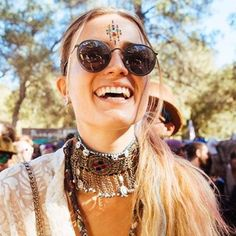 Empress cluster bindi a great festival look! Check out Festivalface.co.uk