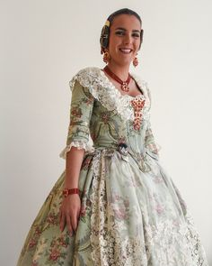 Modern Fabric, Traditional Outfits, Cosplay, Hair Styles, Lace, Pretty, Regional, Clothes, Fabrics