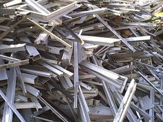 Aluminum extrusion Clean generally refer to clean aluminum material that has no plastic, dirt, glass, or anything else on it. Recycling Steel, Scrap Recycling, Garbage Recycling, Copper Prices, Metal Prices, Metal For Sale, Metal Shop, Copper Art, Copper Metal
