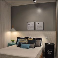 Um quarto aconchegante e tranquilo para uma boa noite de sono 😴😴😴 .#quartomeunovoapê Projeto Marcelo Filipe Arquitetura